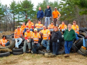 CBNA FFA chapter members and town volunteers prepare to clean up town property on Olde Canterbury Road in Northwood.
